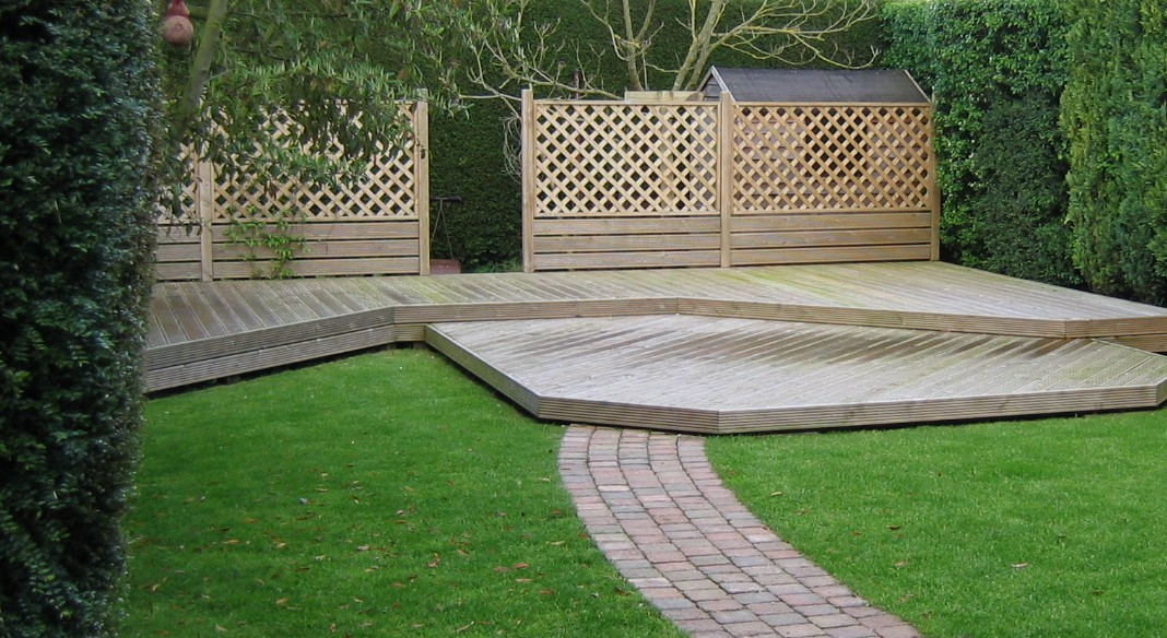 Small project solutions for Garden decking and grass